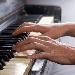 piano hand tendonitis